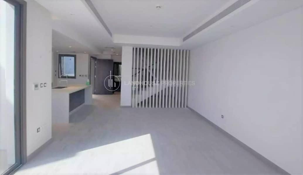 Single Row!!! 2 Bedrooms plus Study