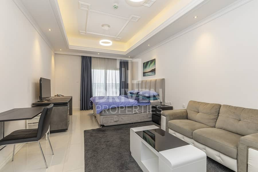 Fully Furnished and On High Floor Studio