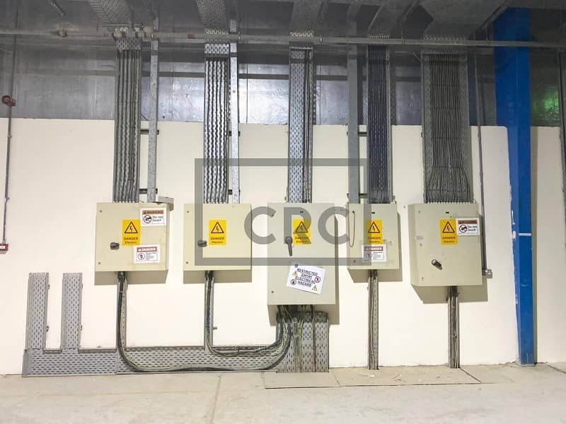 30 Air Conditioned | high Power| With Sprinkler