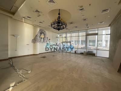 محل تجاري  للايجار في الخليج التجاري، دبي - Hot Spot | Ideal For Cafetaria/Saloon|2  Parking
