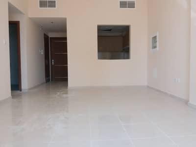 فلیٹ 1 غرفة نوم للايجار في ند الحمر، دبي - hall