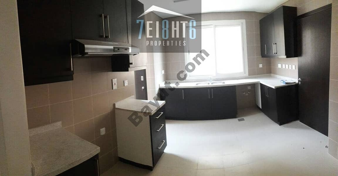 9 Amazing value: 3 b/r semi-independent villa + maids room + large garden for rent in Barsha South 2