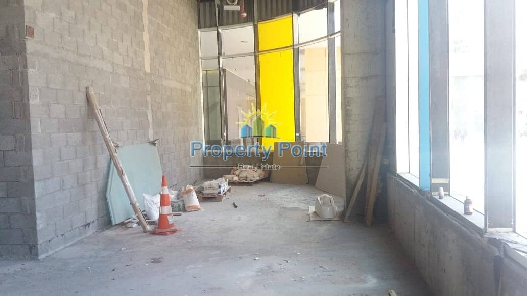 10 193 SQM Showroom for RENT | Great location for Business in Khalidiya Area