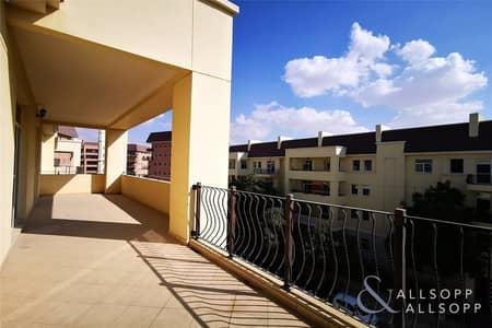 2 Bedroom Flat for Rent in Motor City, Dubai - Large Balcony | New Flooring | 2 Bedrooms