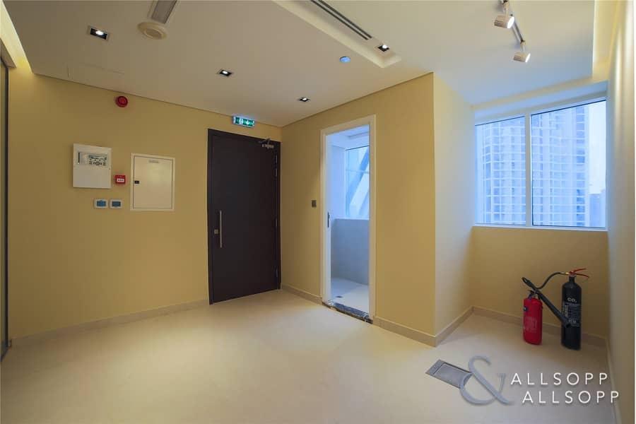 10 Pantry/Washroom | Corner Office | Burj Views