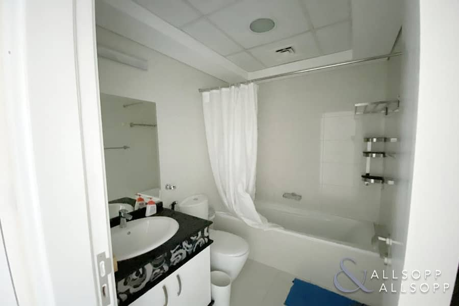 10 One Bedroom | 925 Square Feet | Balcony