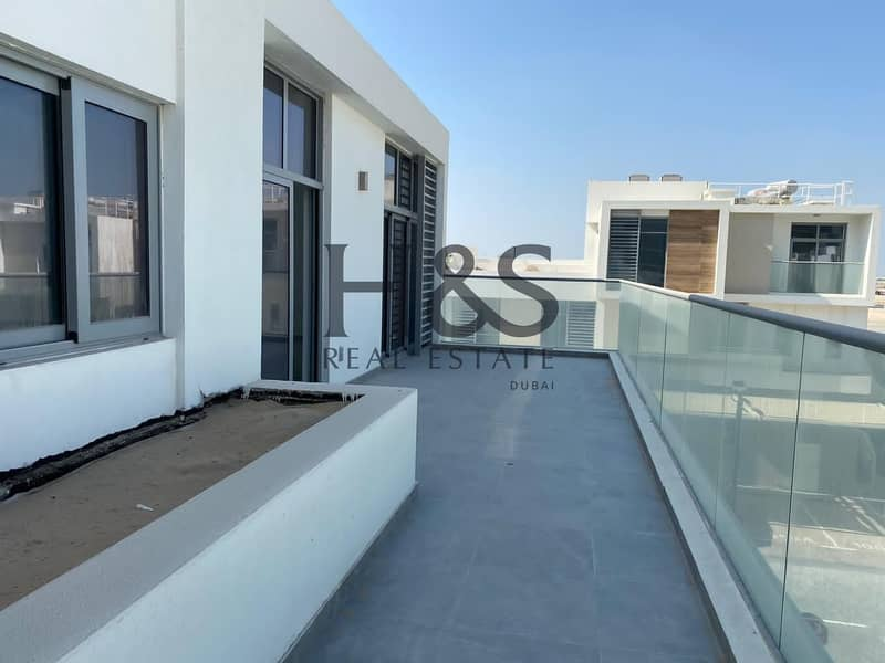 2 Large Lay-out   With Terrace   2 Beds Townhouse
