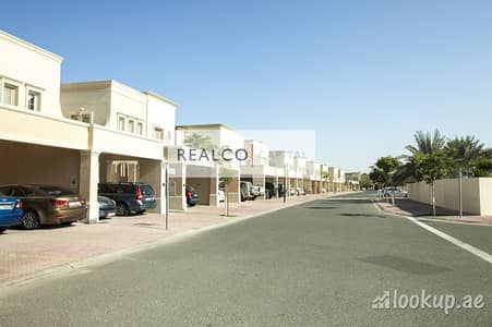 2 Bedroom Villa for Rent in The Springs, Dubai - Springs 10 Type 4m 2 Bed wit Study Back 2 Back very close to lake
