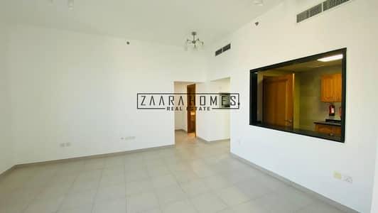 شقة 2 غرفة نوم للايجار في شارع الشيخ زايد، دبي - Chiller free 2 Bed with Balcony on Sheikh Zayed Road