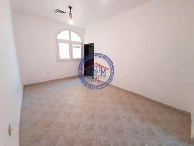 شقة 1 غرفة نوم للايجار في البطين، أبوظبي - Cozy Apt! Valued 1 B/R Apt! No commission