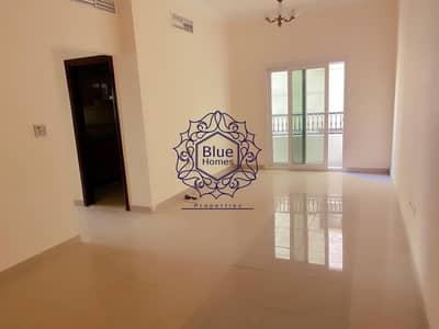 فلیٹ 2 غرفة نوم للايجار في تجارية مويلح، الشارقة - 2bhk balcony wardrobes in school area sharjah