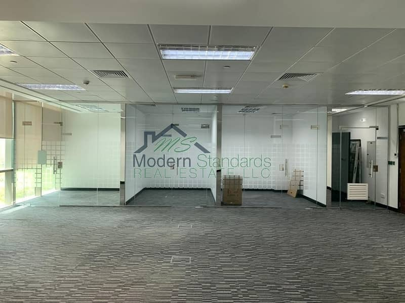 Spacious   Fully Fitted Office with Glass Partitions   DIFC
