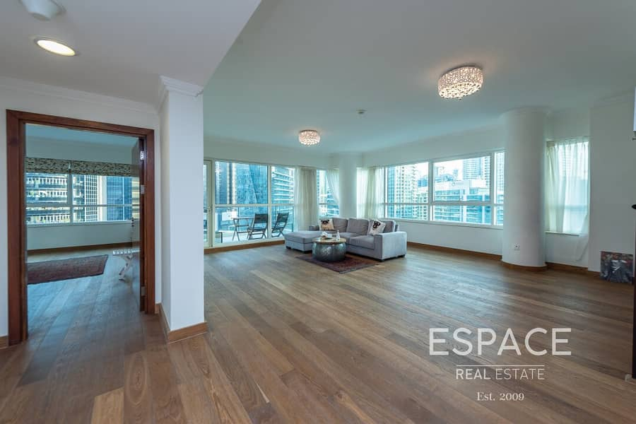 2 Exclusive | Three Bed | 360 Marina Views