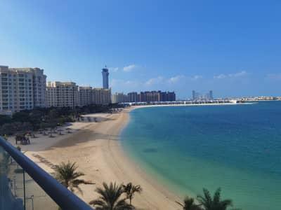 شقة 2 غرفة نوم للايجار في نخلة جميرا، دبي - Amazing sea view large 2 bedroom+maid for rent in Azure residence