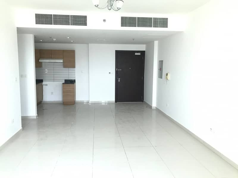 Bright and Spacious Vacant 1 Bedroom+laundry+store room for sale in Masakin Al Furjan