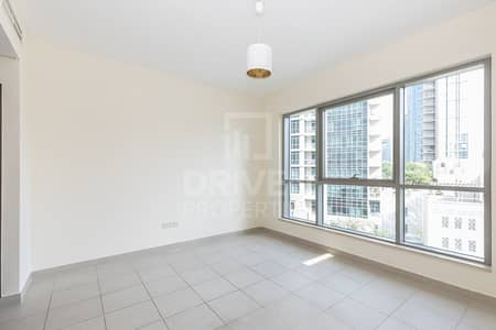 2 Bedroom Flat for Rent in Downtown Dubai, Dubai - Amazing and Well-managed Apt | City View