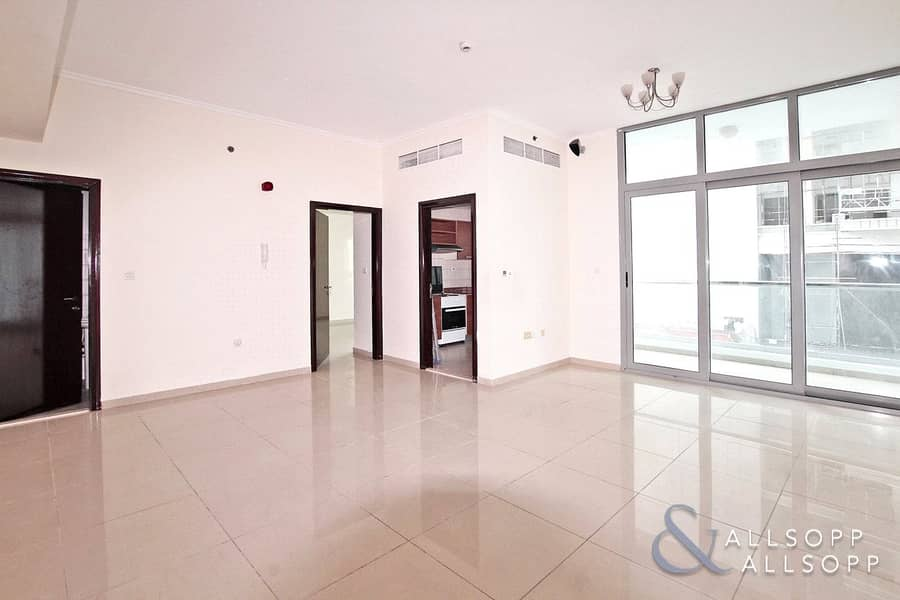 Spacious and Bright | 1 Bed | Unfurnished