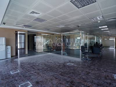 Office for Rent in Jumeirah Lake Towers (JLT), Dubai - Spacious Fitted Office in JLT | Lake View