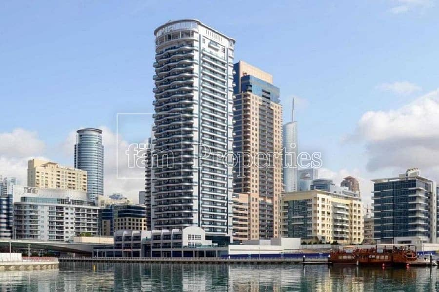 12 Bright apartment with Marina view