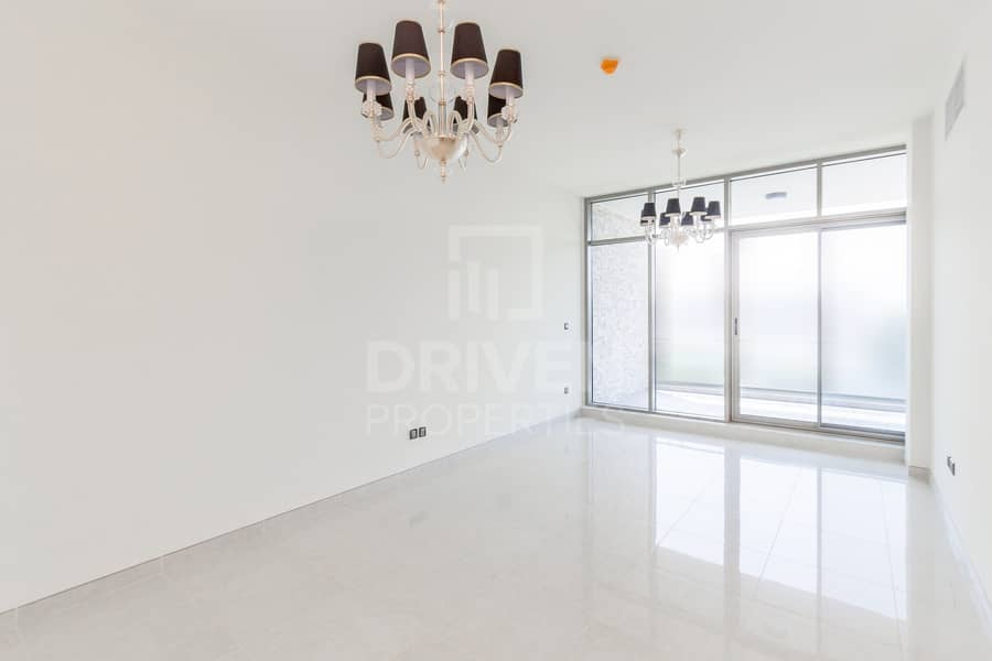 21 Spacious Palace Entry | 2bdr Plus Maid's