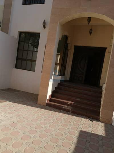 10 Bedroom Villa for Sale in Al Marakhaniya, Al Ain - Villa for sale in AL markhania