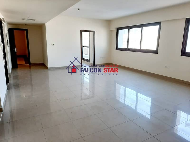 2 CORNER UNIT - TOWNHOUSE VIEW - BIGGEST LAYOUT 2 BED WITH LAUNDRY