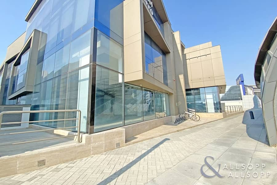 2 Prime Location | Brand New Unit | High Celing