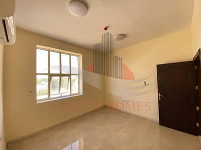3 Bedroom Apartment for Rent in Al Khabisi, Al Ain - Sleek Finishes Near Towaya Parking with Elevator