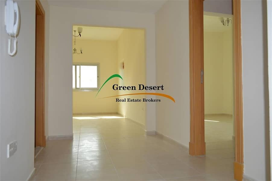 2 Well maintained|1 BR|Corner unit|Villa view|Axis 6