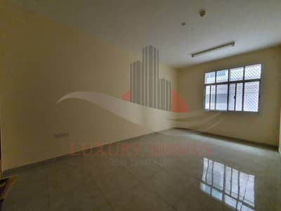 3 Bedroom Apartment for Rent in Asharej, Al Ain - Spacious on Main Road near UAE University