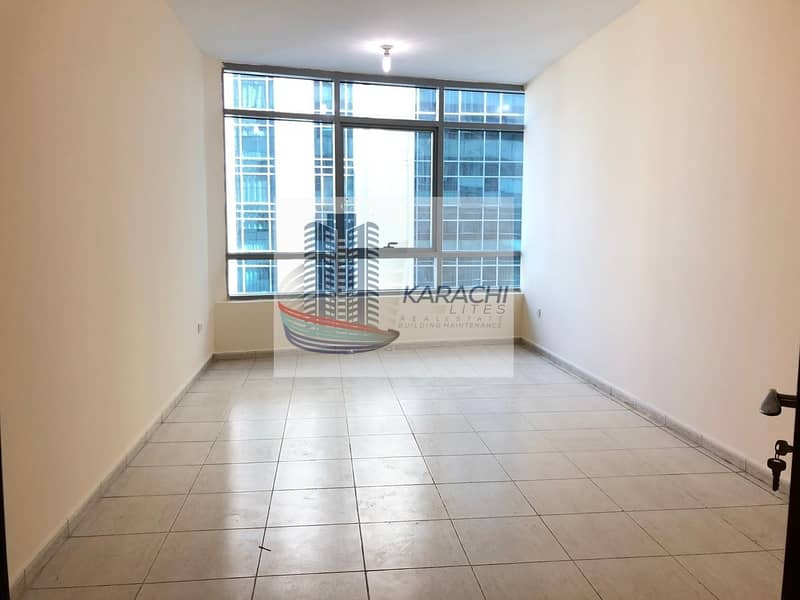 Spacious 2 Bedroom Apartment With Parking In Al Mamoura