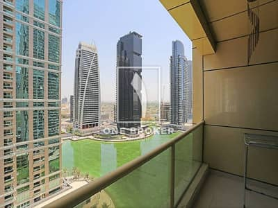Fully Furnished 1 Bed Apt with Lake View