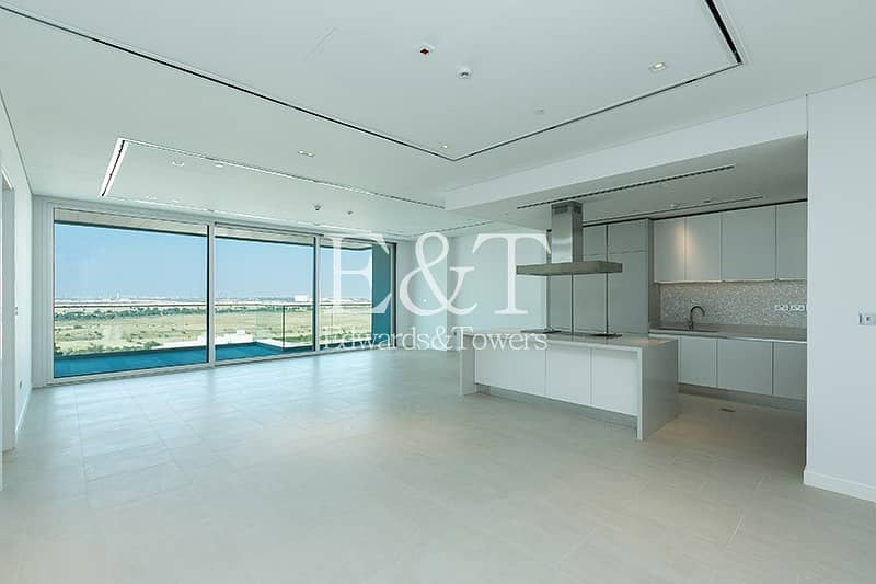 2 Exclusive: Spacious with Downtown and Skyline View