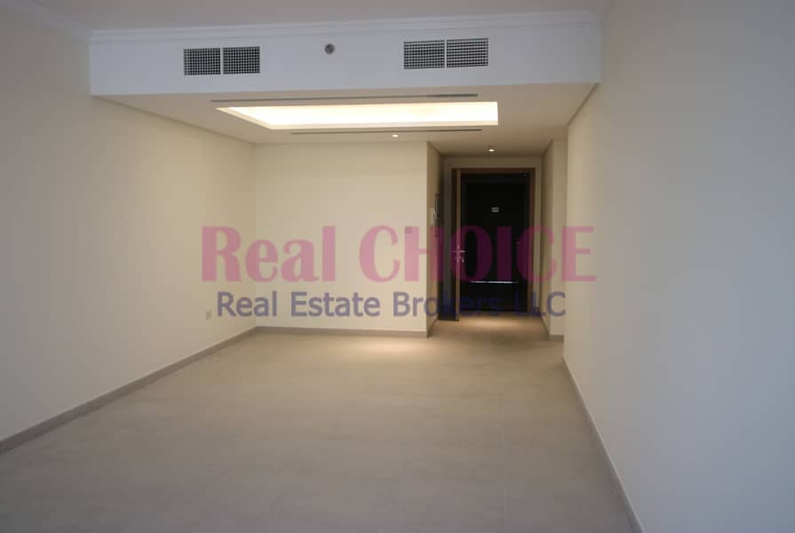 Balcony| Store & Laundry| Community View| For Rent
