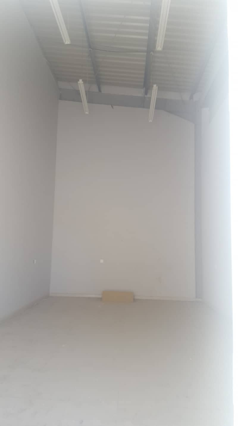 400 Sq Ft /  Shop For Rent in New Industrial Area, Ajman