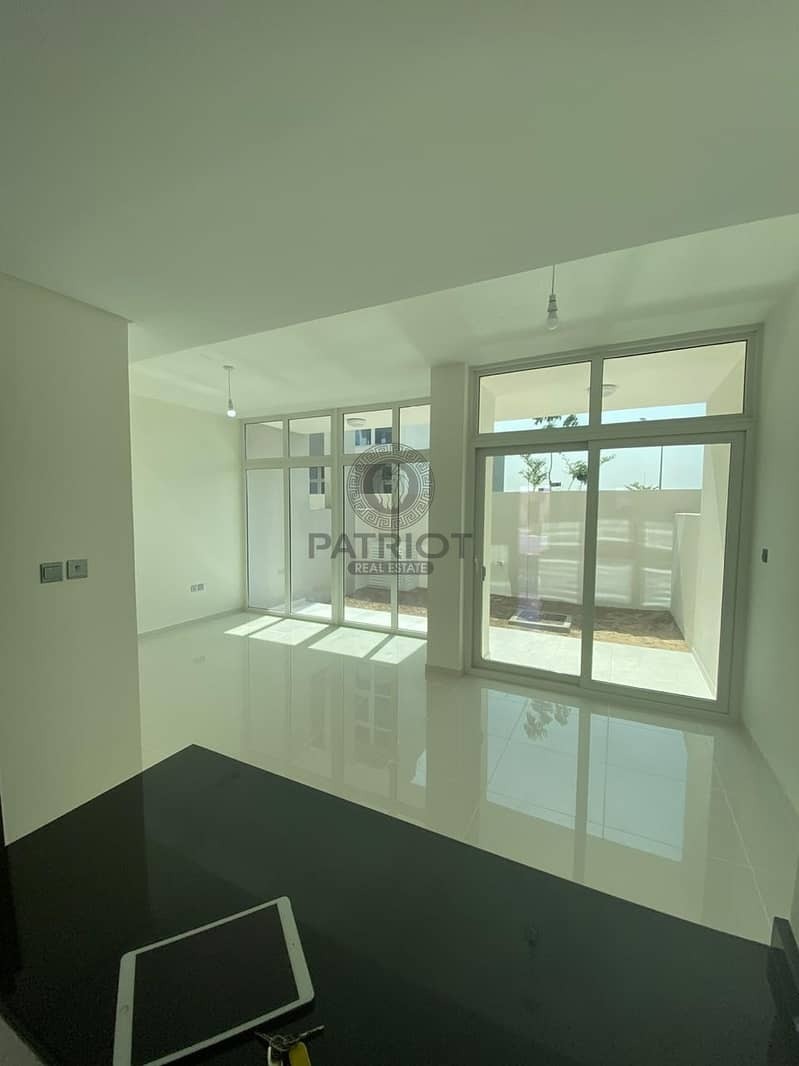 BRAND NEW l SINGLE ROW l 3 BED l LAKE VIEW l GOLF COURSE VIEW l TOWNHOUSE IN AKOYA OXYGEN