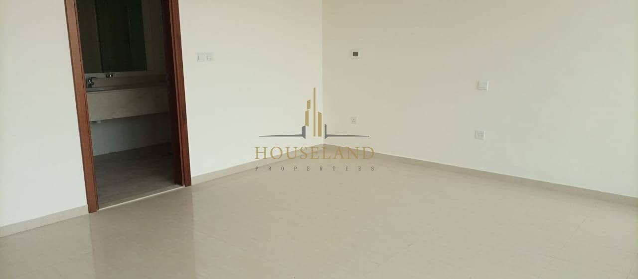 Amazing Townhouse / Jumeirah Island / Ready to direct hand over