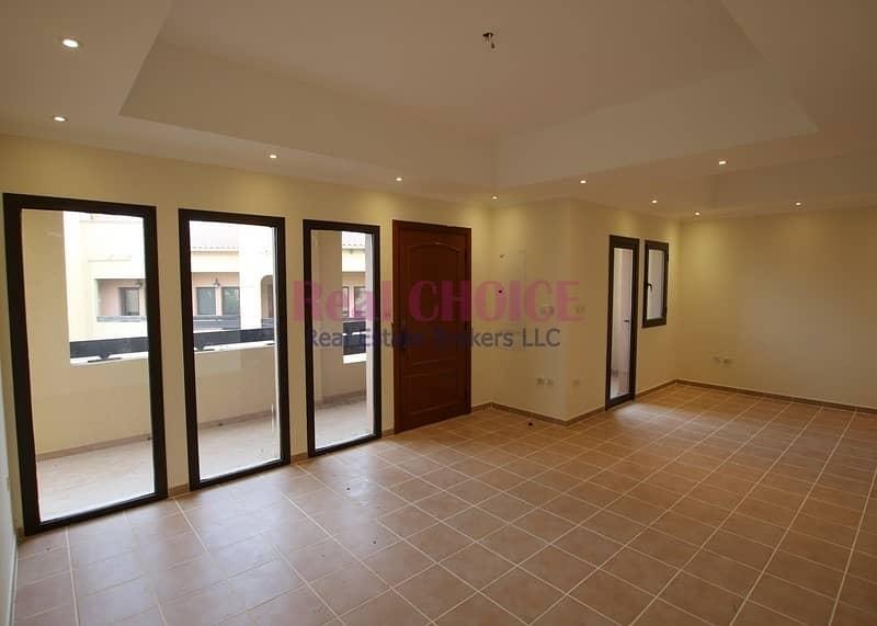 2 Upfloor 2bedroom villa with easy 12 chqs ayment plan