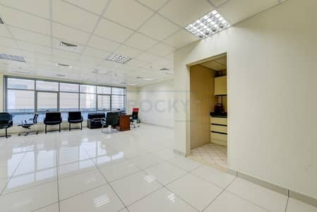 Office for Rent in Al Qasimia, Sharjah - Amazing 950 Sq.Ft Office with Central A/C | Sharjah