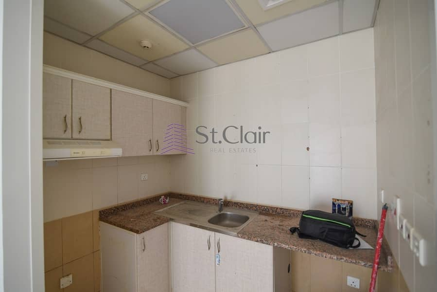 15 Near Metro Station Beautiful 1 Bed on Low Floor