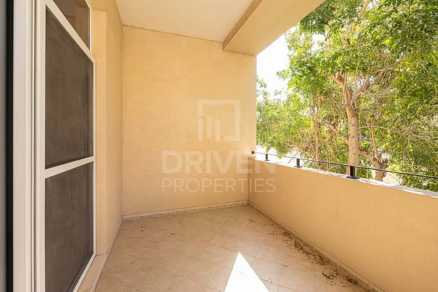2 Spacious and Bright unit | West Court 1