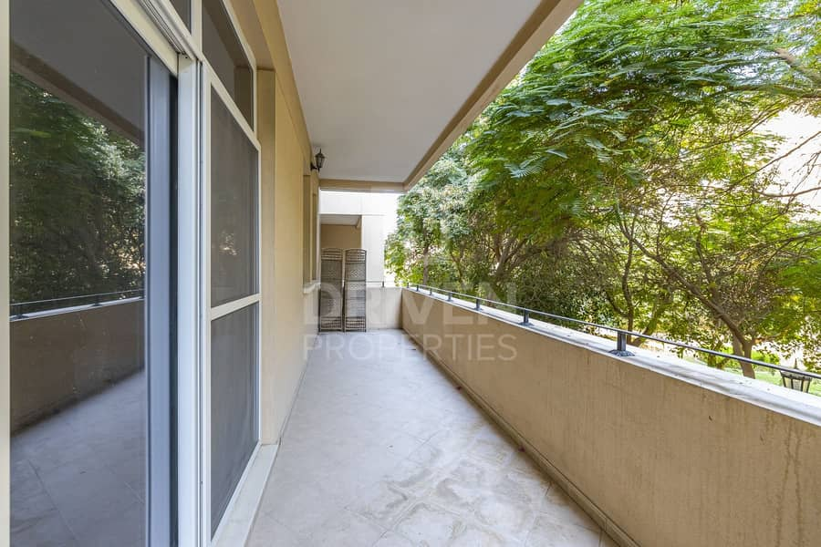 13 Spacious and Bright  unit | West Court 2