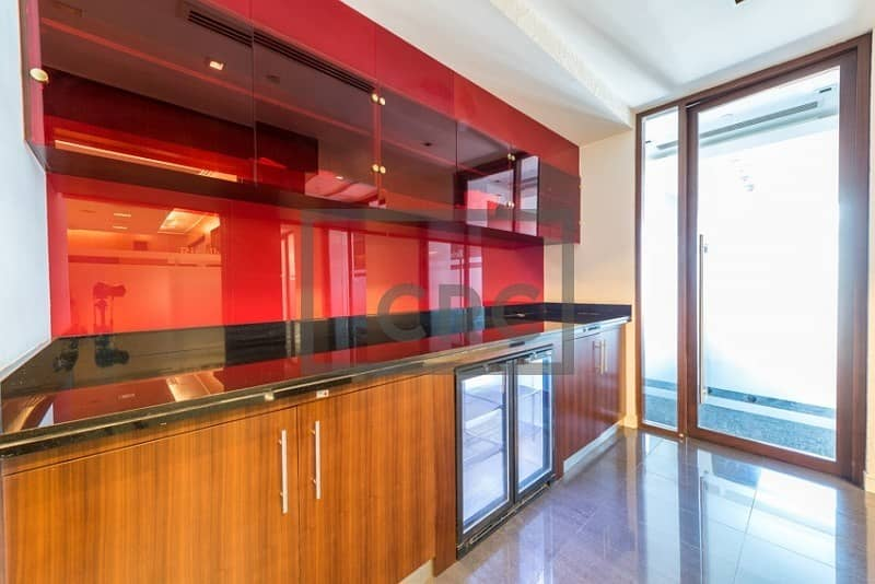 20 Stunning Office | Fitted | Balcony | Mid Flr