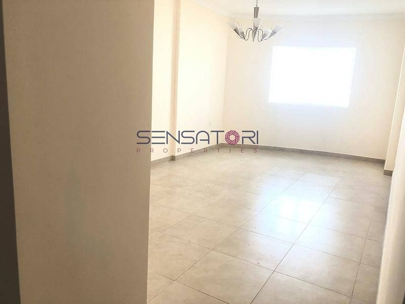 HIGH FLOOR / PANORAMIC CITY VIEW/VERY CLEAN