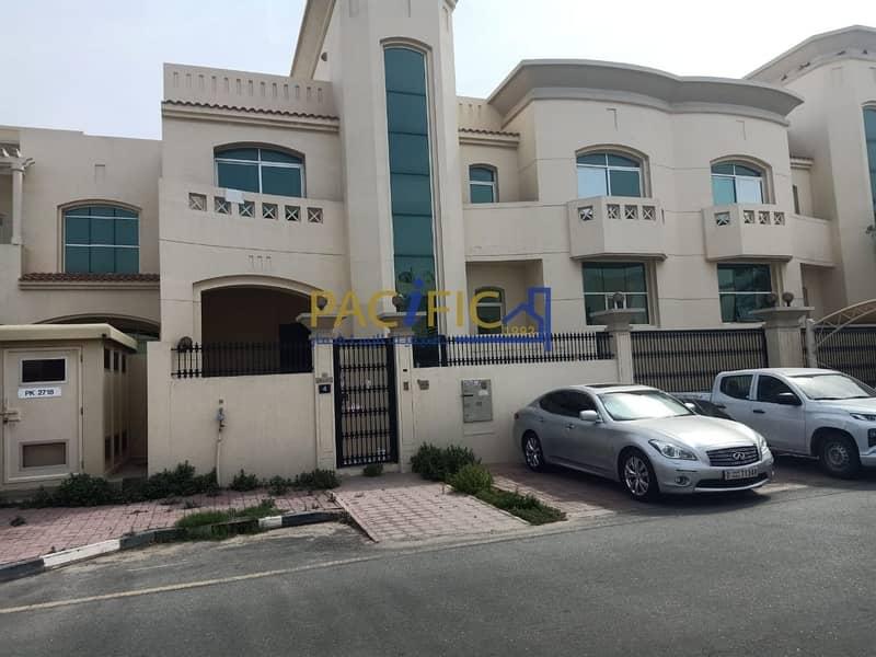 4Bed Villa | Big Majlees  | |Full Glassy View