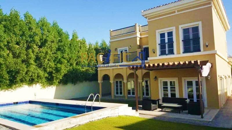 Villa with Large Gaden & Outdoor sitting area