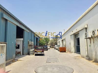 Warehouse for Rent in Al Quoz, Dubai - Huge  & Well Looked | Near Al Quoz Mall