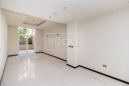 1 Bedroom Flat for Rent in Palm Jumeirah, Dubai - No Pets Allowed | Health Club and Beach Access | 1-Bed