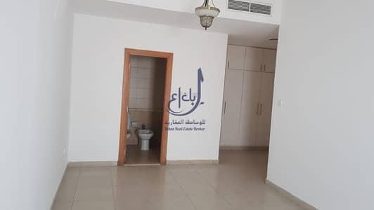فلیٹ 4 غرف نوم للايجار في شارع الشيخ زايد، دبي -  Specious Exclusive 4 Bedroom Apartments on Sheikh Zayed road.