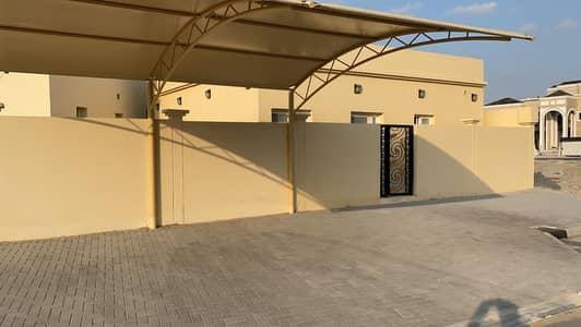 فیلا 2 غرفة نوم للايجار في البرشاء، دبي - فیلا في البرشاء جنوب الثانية البرشاء جنوب البرشاء 2 غرف 65000 درهم - 4923356